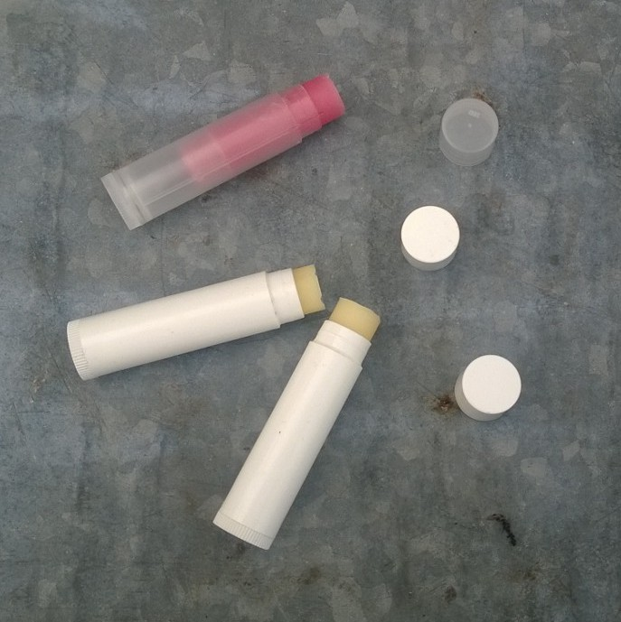 Kolme komponendiga huulepulk